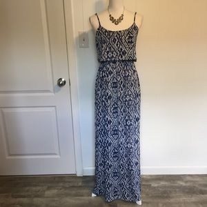 Lucy&Laurel maxi dress size small